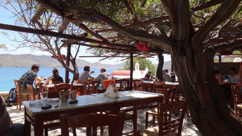 eating in mykonos