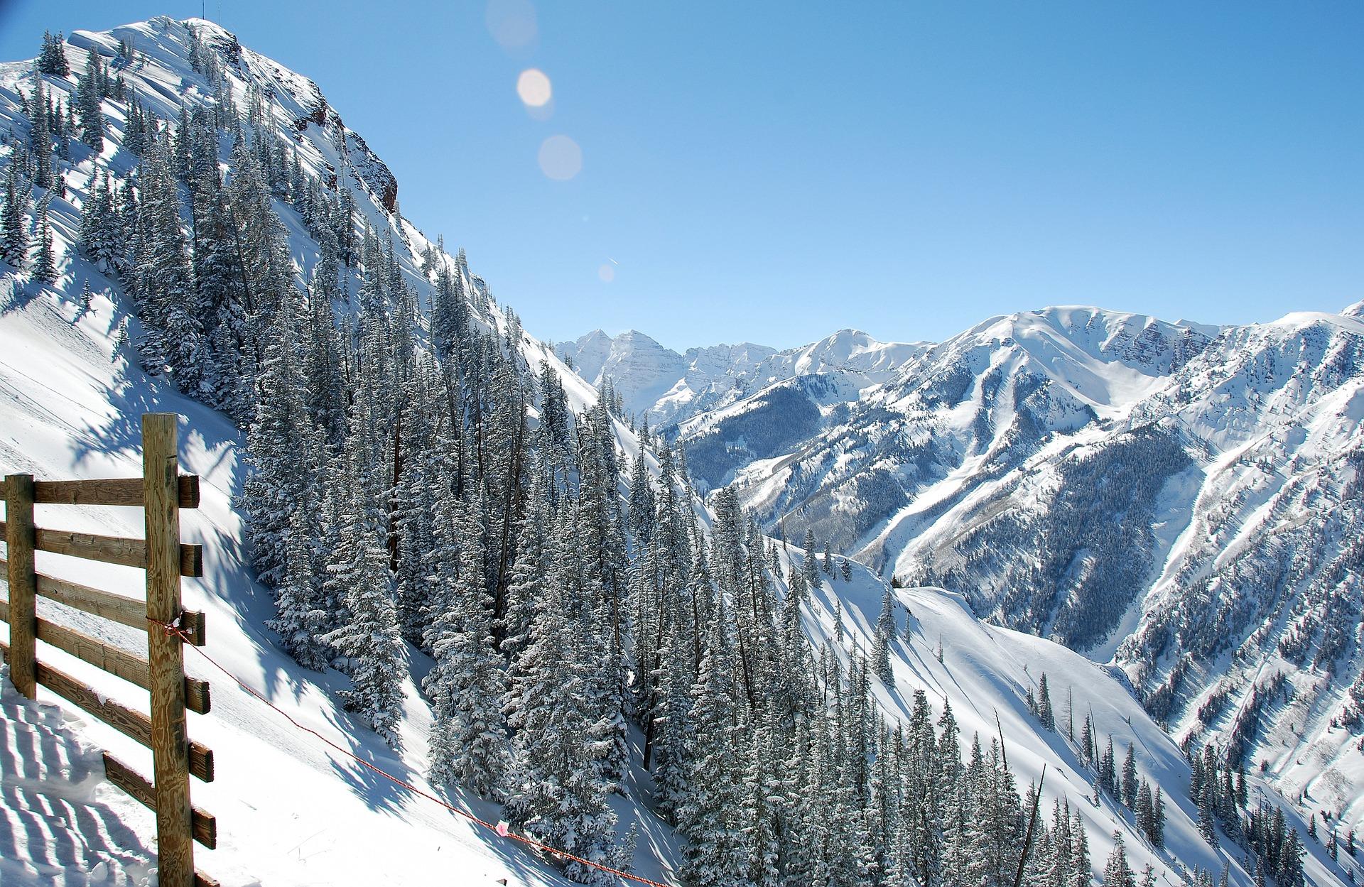 skiing in Aspen